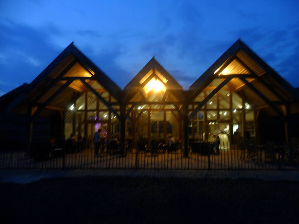 barn_cafe_from_outside_at_night