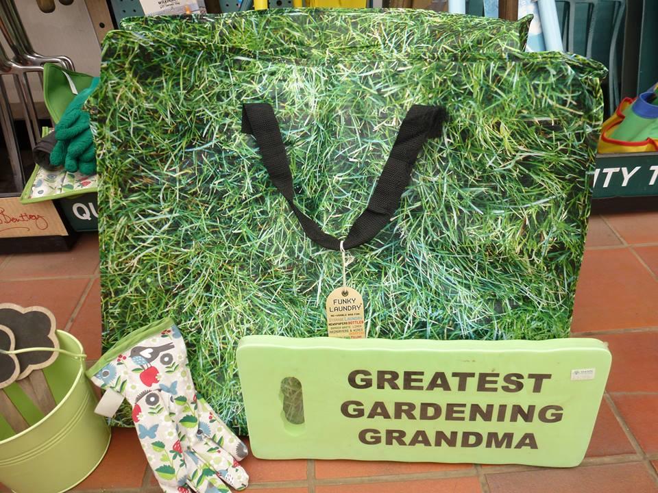 gardening_bag_grandma